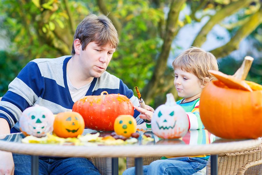pumpkin carving mothers cafe